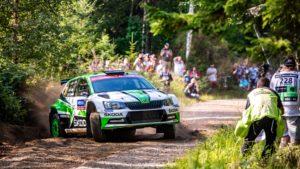 Skoda bei der Rallye Finnland 2018 Die norwegischen SKODA Junioren Ole Christian Veiby und Stig Rune Skjaermœn (ŠKODA FABIA R5) belegen nach der Freitagsetappe Rang 4 in der WRC 2-Kategorie © Skoda Motorsport
