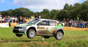 Große Sprünge: Das SKODA AUTO Deutschland Duo Fabian Kreim/Frank Christian tritt als Spitzenreiter der U28-Wertung der FIA Rallye-Europameisterschaft (ERC) bei der ADAC Rallye Deutschland an. © Skoda Motorsport