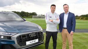 Mauricio Pochettino, Manager von Tottenham Hotspur (links) mit Andrew Doyle, Director von Audi UK (rechts) © AUDI AG / David M. Benett