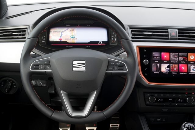 SEAT Virtuelles Cockpit feiert im SEAT Arona und SEAT Ibiza Premiere ©: Seat