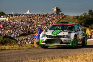 SKODA bei der ADAC Rallye Deutschland 2018: Am dritten Tag der Rallye Deutschland kämpfte sich das SKODA Werksteam Jan Kopecký/Pavel Dresler (ŠKODA FABIA R5) nach einem Reifenschaden vom neunten auf den dritten Platz in der WRC 2-Kategorie zurück © Skoda Motorsport