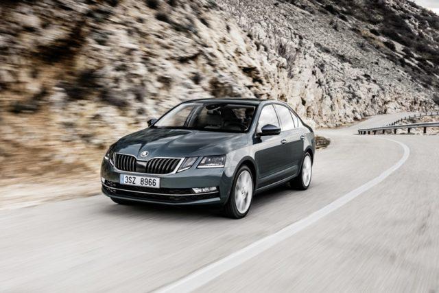 Skoda stattet den Bestseller OCTAVIA durchgehend mit neuen Motoren nach Abgasnorm Euro 6d-temp aus. Der Einstiegspreis der Limousine beträgt 22.860 Euro © Skoda