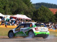 Spektakuläre Bestzeit: Fabian Kreim und Frank Christian (D/D) glänzen bei der ADAC Rallye Deutschland am Freitag mit Platz 1 in der Prüfung 'Mittelmosel 1'. © Skoda Motorsport
