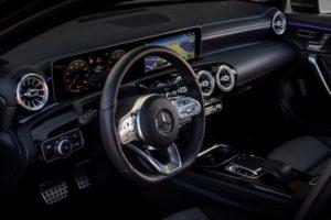 Mercedes neue A-Klasse Limousine Innenraum Cockpit © Daimler AG