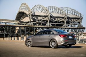 Mercedes neue A-Klasse Limousine Seitenansicht Heckansicht © Daimler AG
