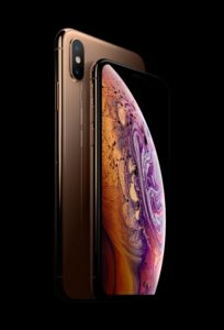 Apple iPhone Xs combo gold © Apple
