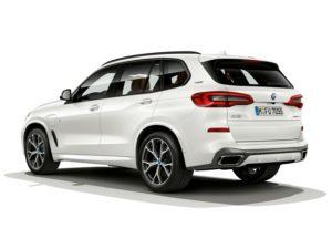 Neuer BMW X5 xDrive45e iPerformance Heckansicht © BMW AG