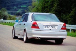 Mercedes-Benz C 36 AMG der Baureihe 202, Produktionszeit 1993 bis 1997 Heckansicht © Daimler AG