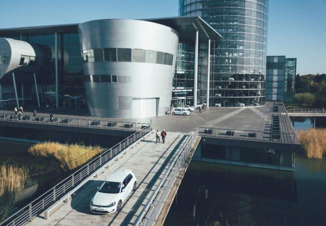 Gläserne Manufaktur Dresden: Fahrzeug-Auslieferung im e-Tower wird zum digitalen Event © Volkswagen AG