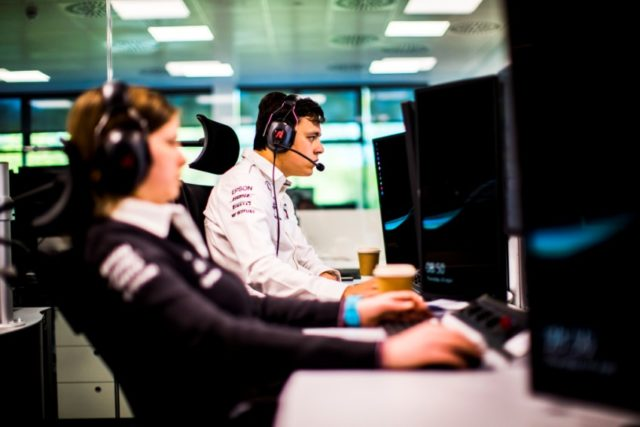 Formel 1, Brackley, Mercedes-AMG Petronas Motorsport, Race Support Room © Daimler AG