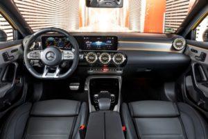 Mercedes-AMG A 35 4MATIC (2018) Innenraum © Daimler AG