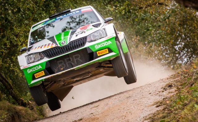 Flug aufs Podest: Das ŠKODA AUTO Deutschland Duo will auch bei der Rally Liepaja in Lettland, dem Saison-Finale der FIA Rallye-Europameisterschaft (ERC), glänzen. Schon vor dem Event vom 12. bis 14. Oktober hat Kreim einen Podestplatz in der U28-Gesamtwertung sicher © Skoda Motorsport